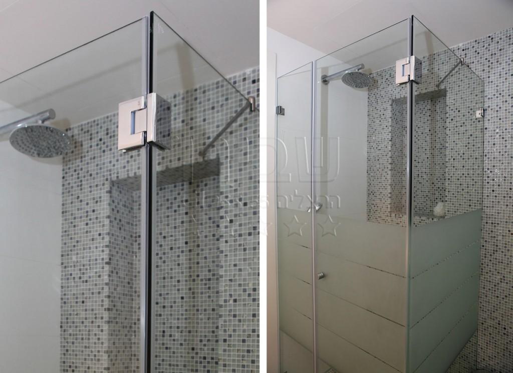 מקלחון פינתי קבוע +דלת וקבוע קטן על הקיר