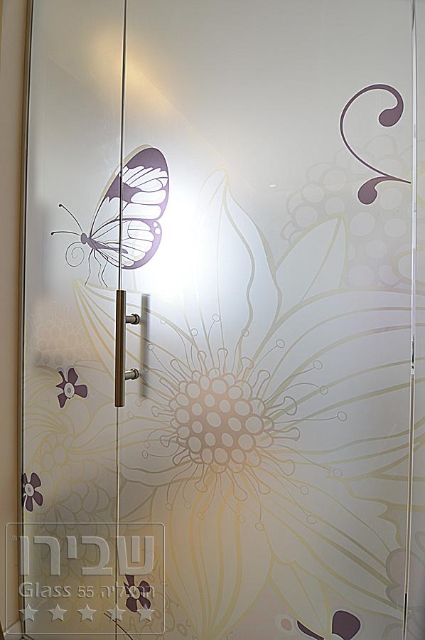 מקלחונים מעוצבים עם זכוכית מודפסת