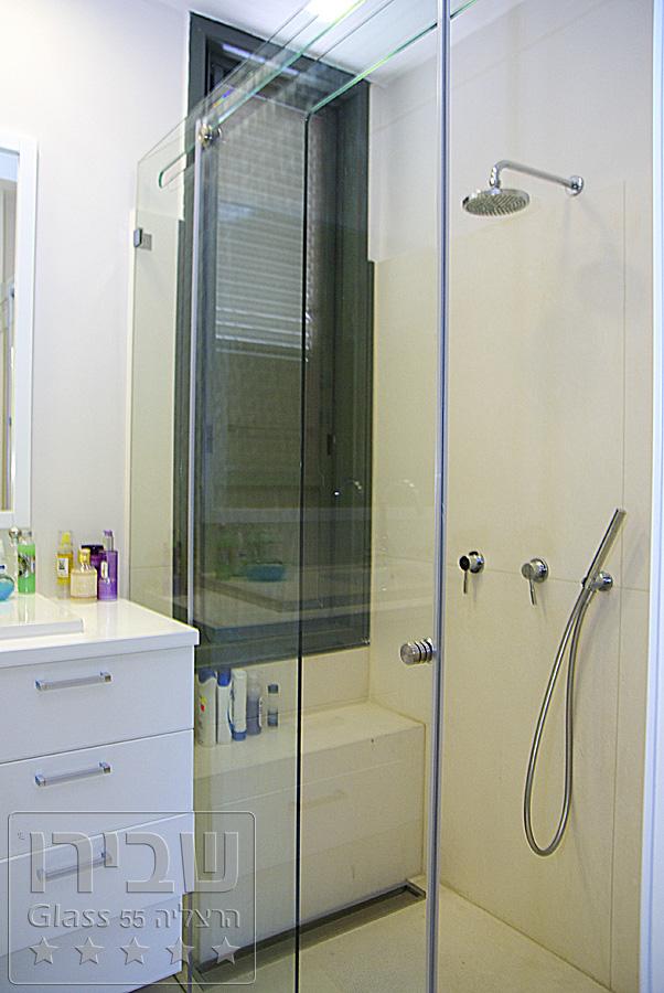 מקלחון זכוכית שקוף בהתאמה אישית
