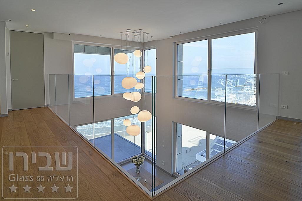מעקות זכוכית למרפסת של שבירו גלאס
