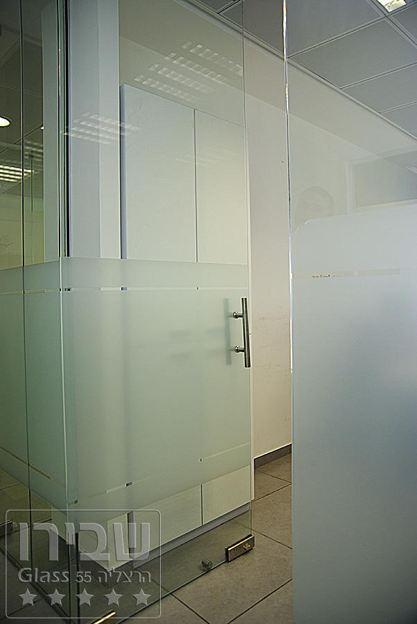 דלת סיקורית ציר עליון תחתון DSM