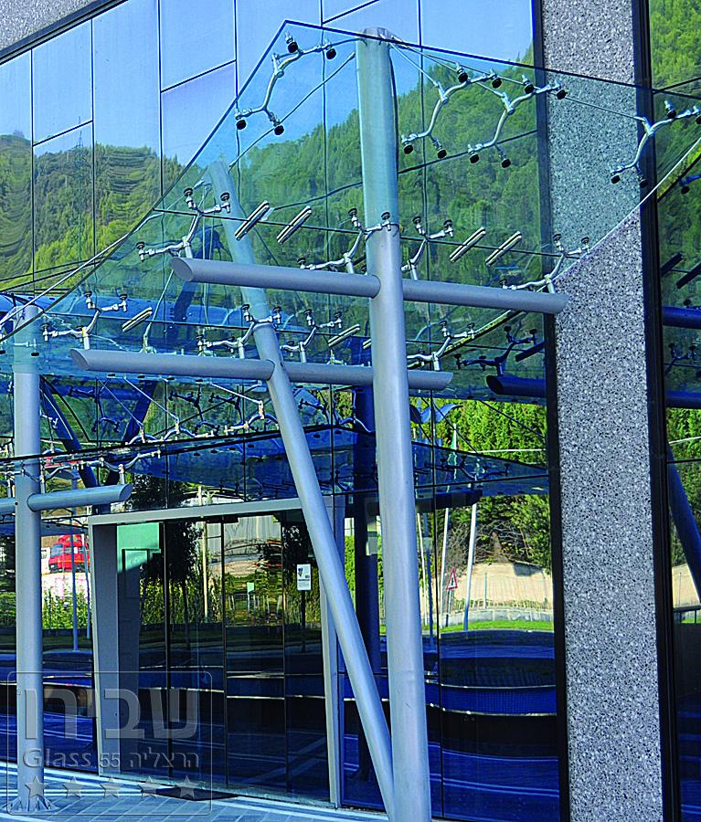 גגונים קונזוליים מזכוכית 66