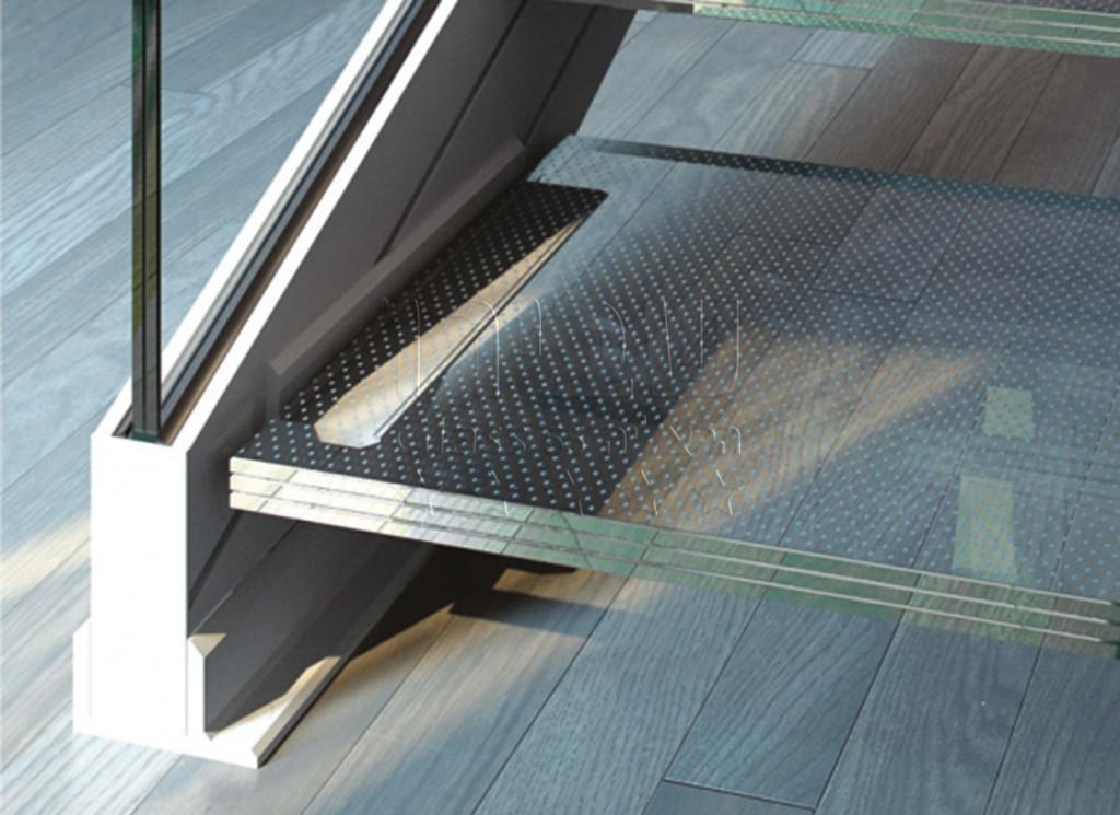 גרם מדרגות זכוכית הכולל מדרך זכוכית ומעקה