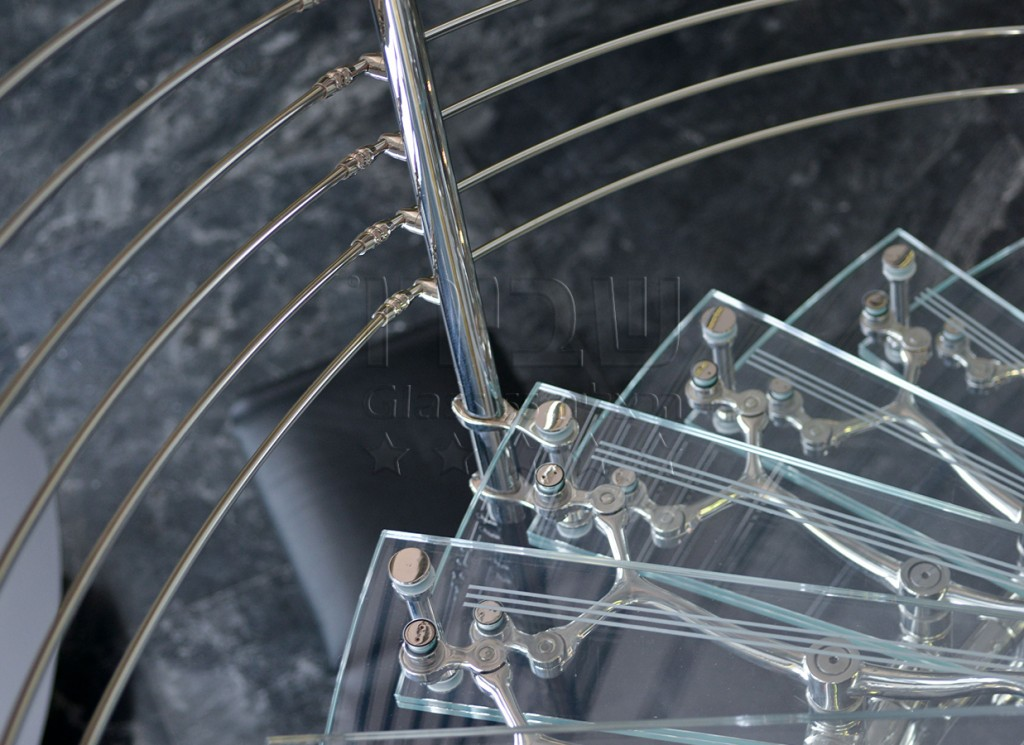 גרמי מדרגות עם פרזול איטלקי מעוצב 4