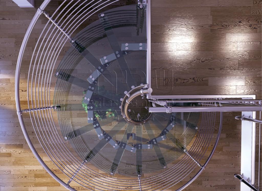גרם מדרגות זכוכית ספירלי איטלקי
