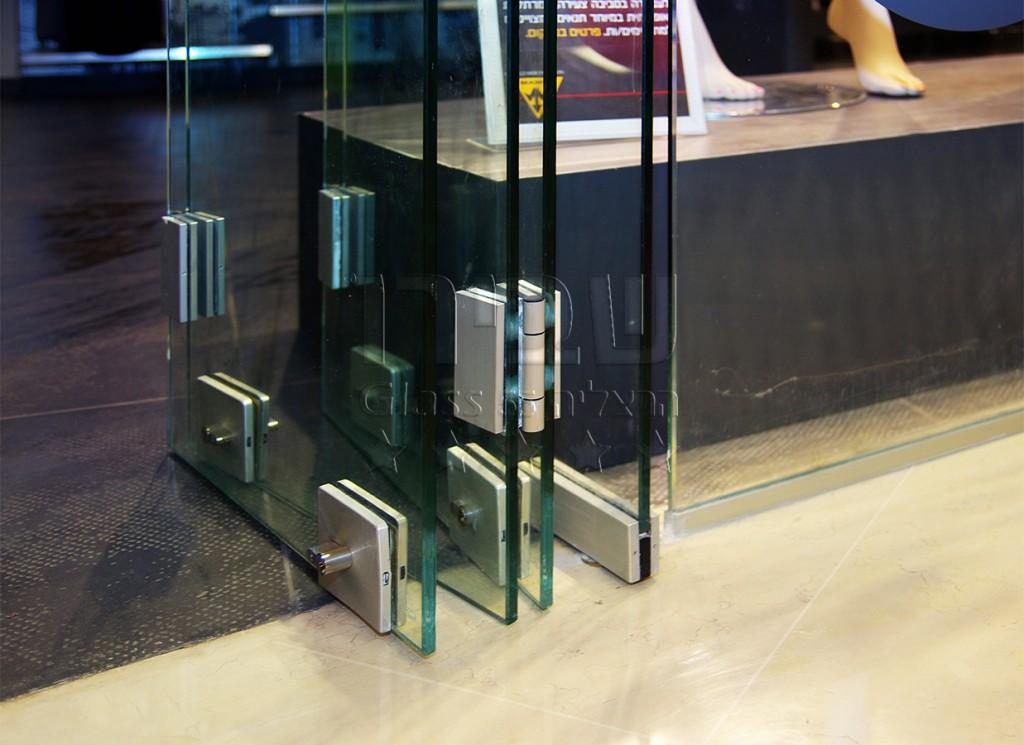 דלתות זכוכית מקפלות