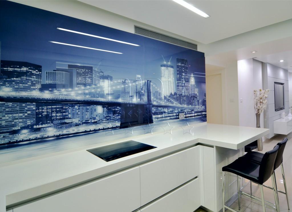 חיפוי זכוכית למטבח בהדפס תמונת עיר