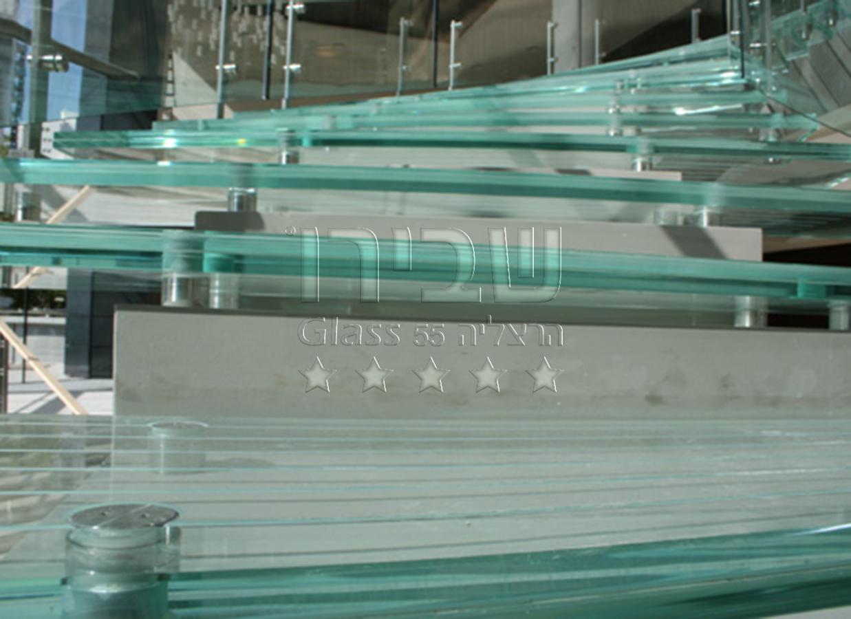 מעקה זכוכית למדרגות