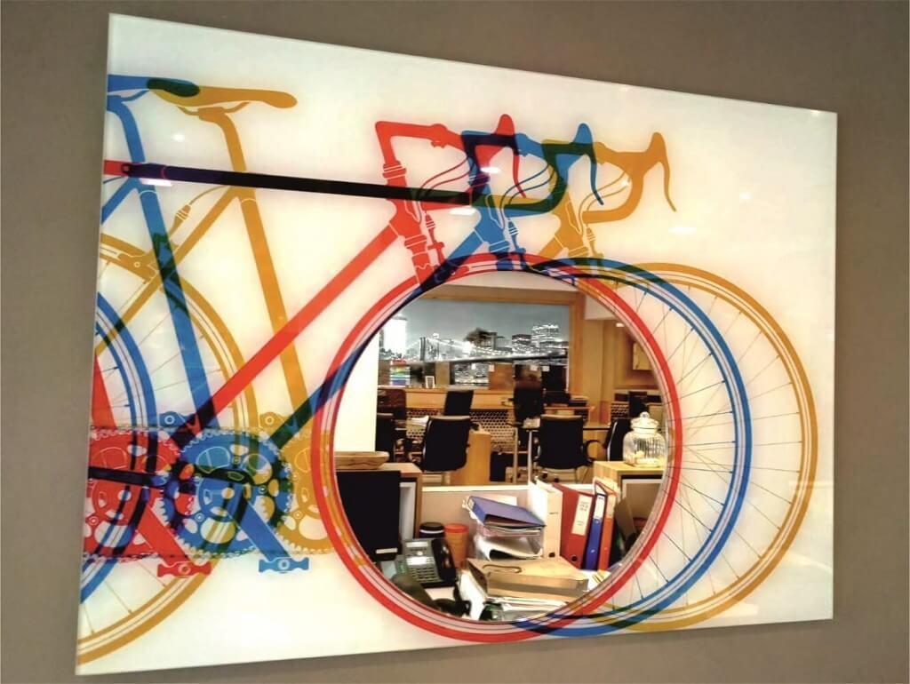 מראה בהדפסה דיגיטלית צבעונית