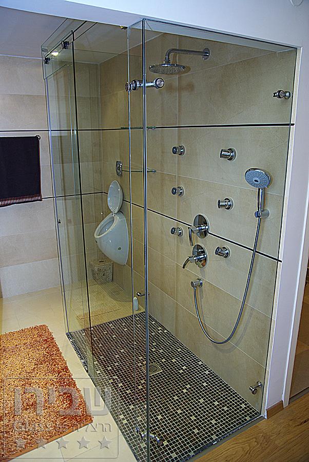 מקלחון זכוכית במידה ייחודית