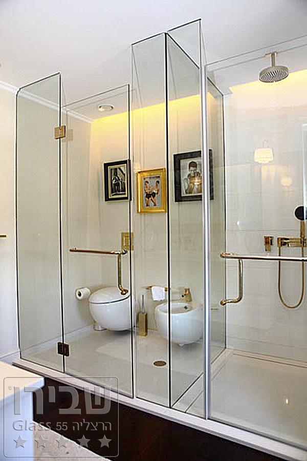 מקלחון זכוכית מעוצב בגודל ייחודי