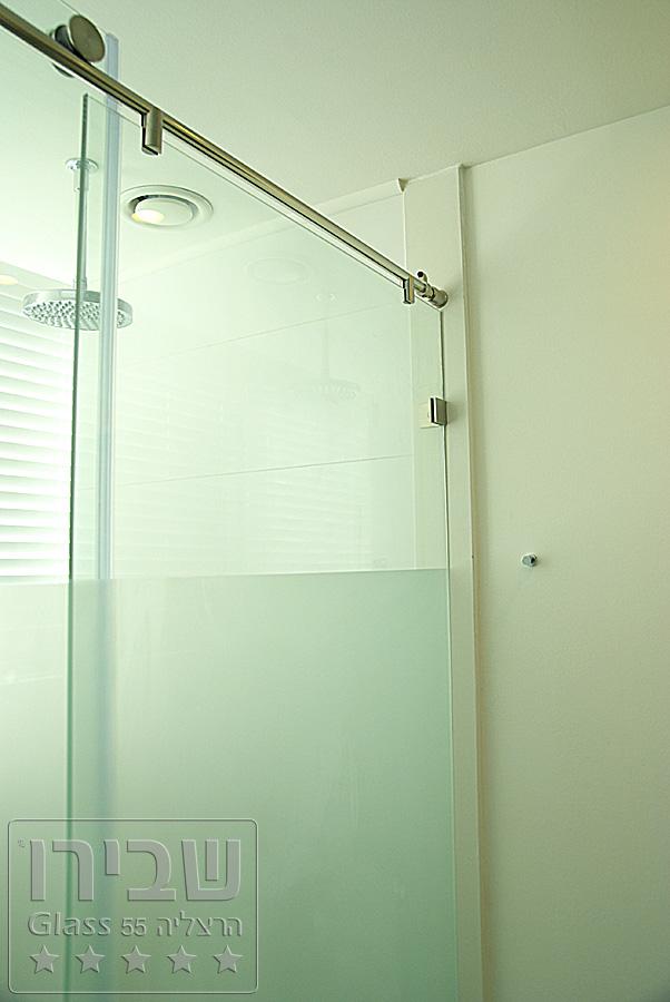 מקלחון הזזה מזכוכית