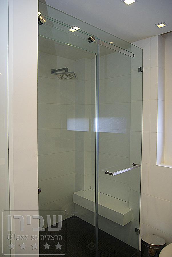 מקלחון מיוחד עם הדפס צבעוני