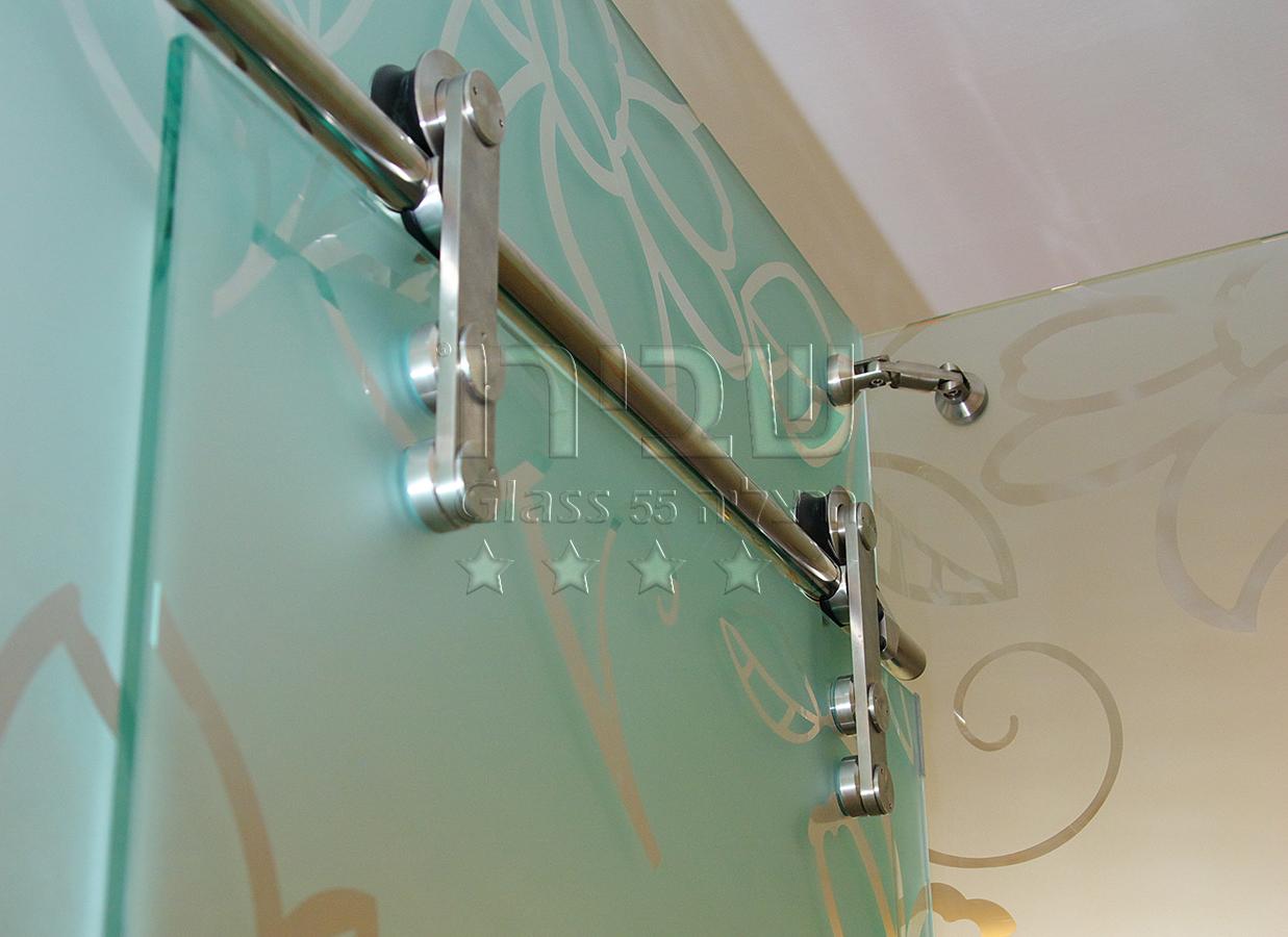 מקלחונים עם דלת הזזה מערכת מנט