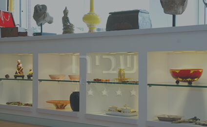 רהיטים מזכוכית